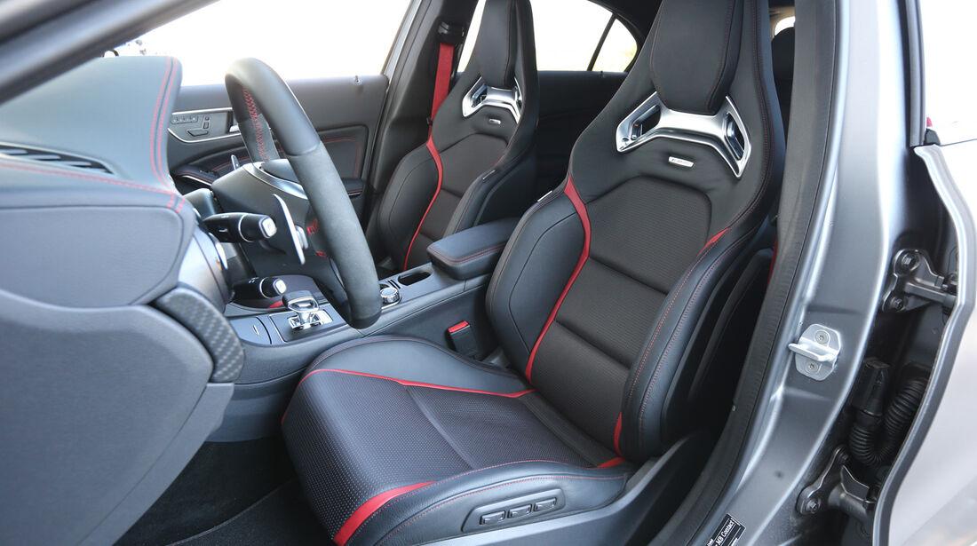 Mercedes A 45 AMG, Fahrersitz