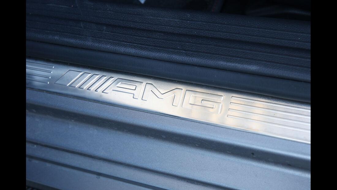 Mercedes A 45 AMG, Fußleiste