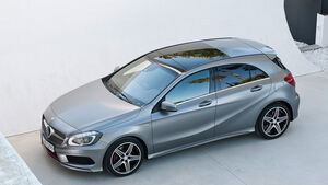 Mercedes A-Klasse, A 250 Sport Limousine, Panorama-Schiebedach