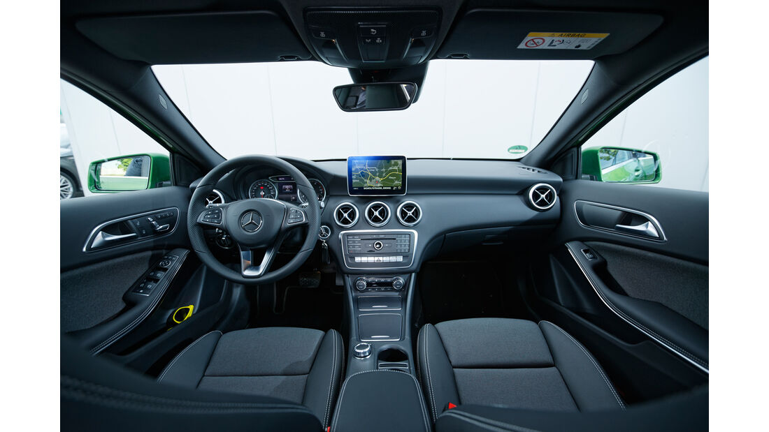 Mercedes A-Klasse, Cockpit