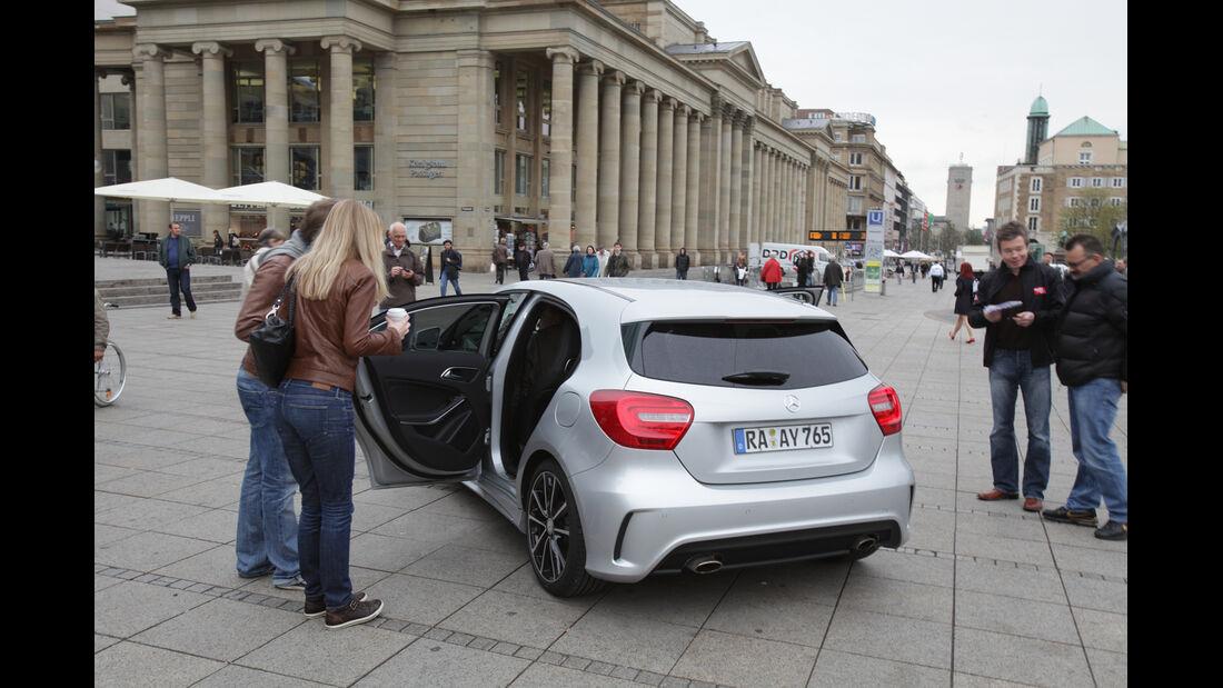 Mercedes A-Klasse, Heck, Passanten