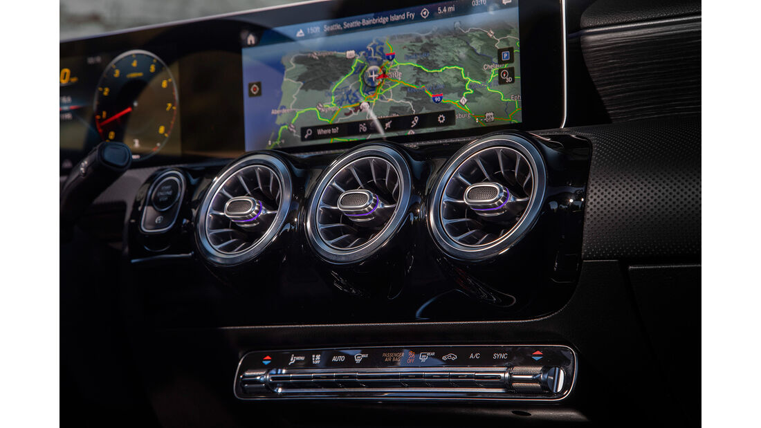 Mercedes A-Klasse Limousine, Infotainmentsystem