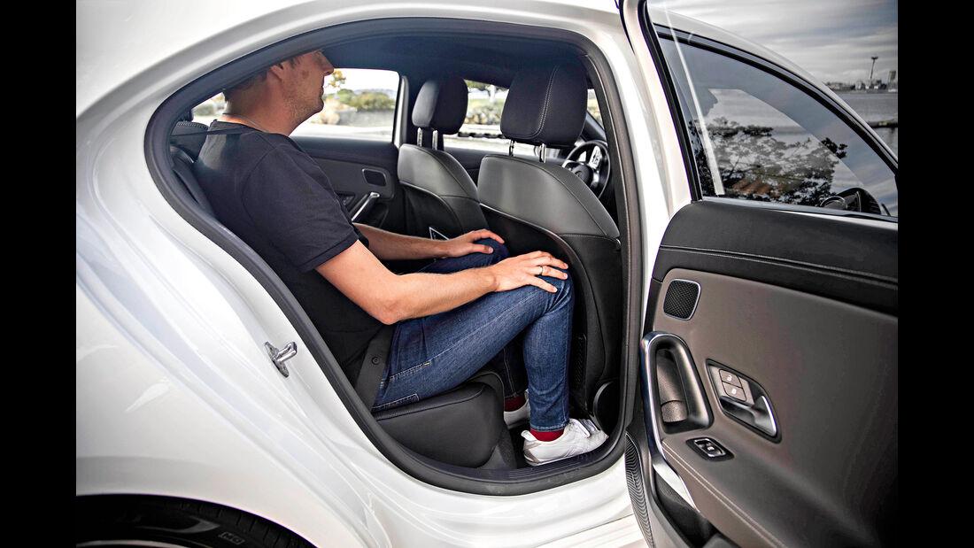 Mercedes A-Klasse Limousine, Rückbank-Interieur