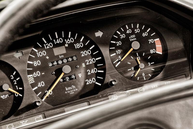 Mercedes A124 Cabriolet, Rundinstrumente