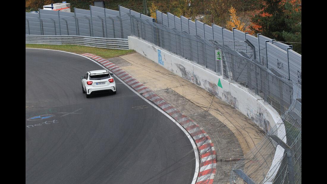Mercedes-AMG A 45 4Matic, Heckansicht