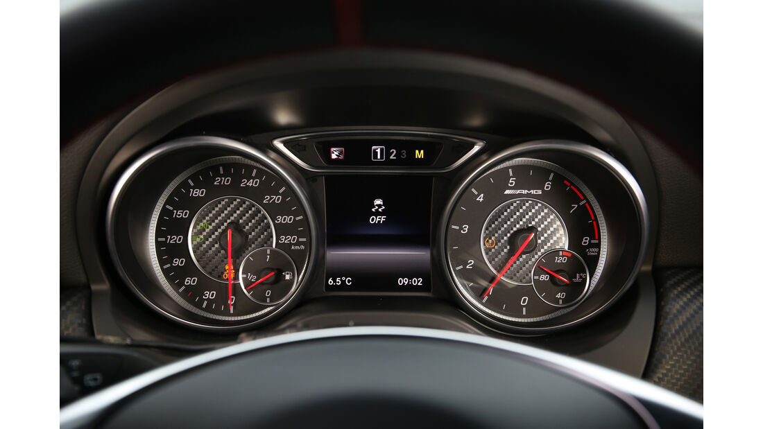 Mercedes-AMG A 45 4Matic, Rundinstrumente