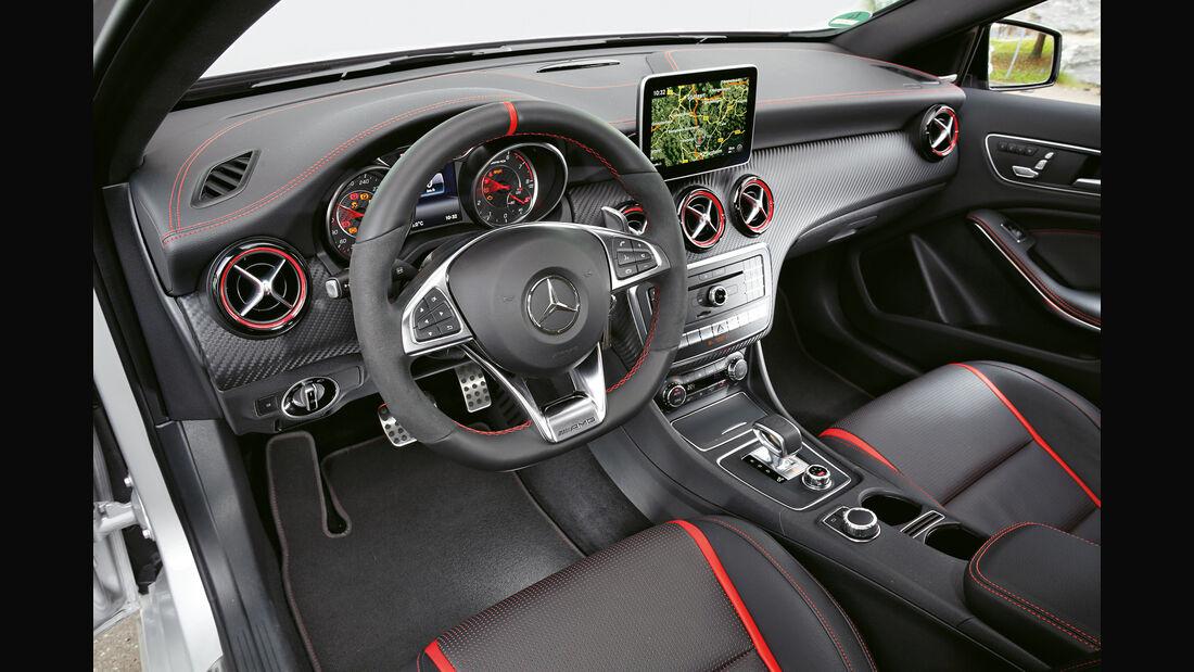 Mercedes AMG A 45, Cockpit