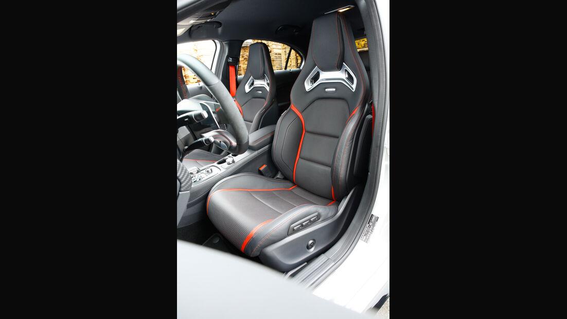 Mercedes AMG A 45, Fahrersitz