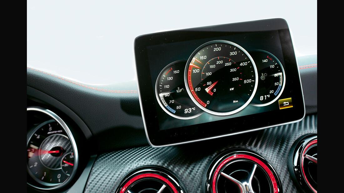 Mercedes AMG A 45, Monitor