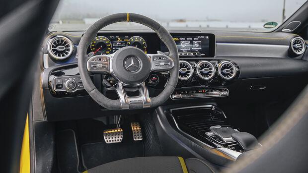Mercedes-AMG A 45 S, Interieur