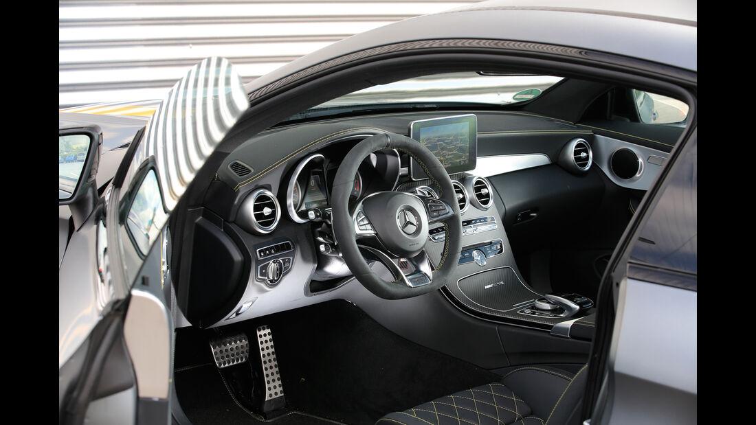 Mercedes-AMG C 63 S Coupé, Cockpit