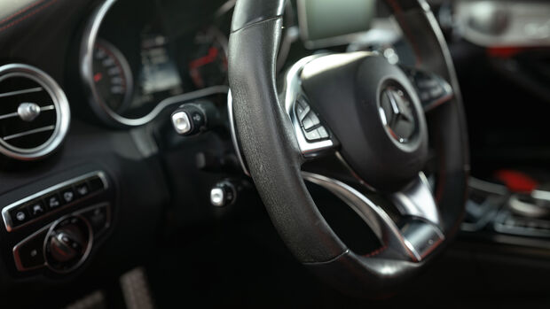 Mercedes-AMG C 63 S, Interieur