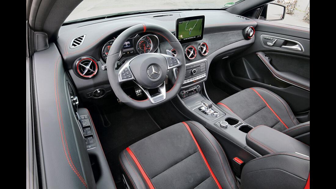 Mercedes-AMG CLA 45 4Matic, Cockpit