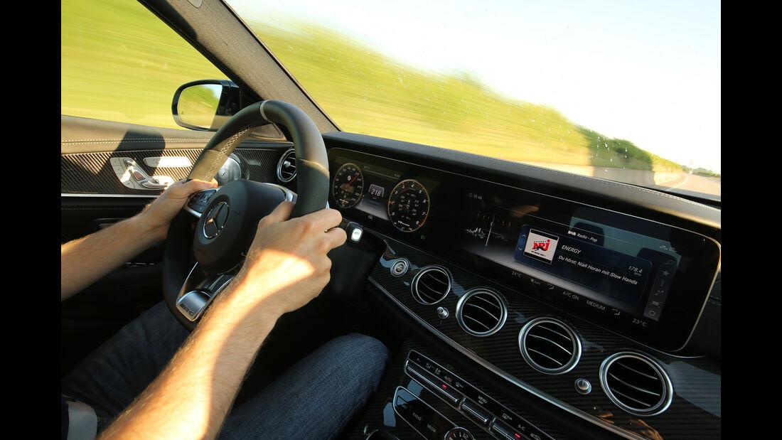 Mercedes-AMG E 63 S 4Matic+, Mercedes 300 CE 6.0-32V AMG, Interieur