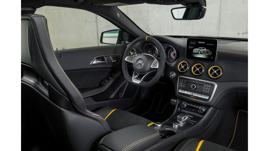 Mercedes-AMG GLA 45 4Matic Facelift 2017 Yellow Night Edition