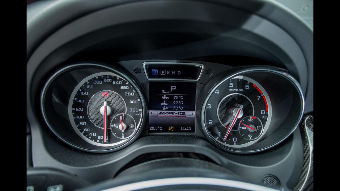 Mercedes-AMG GLA 45 4Matic, Rundinstrumente