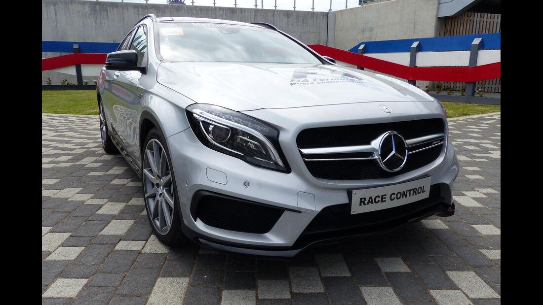 Mercedes AMG GLA45  - Streckensicherung - F1 2015