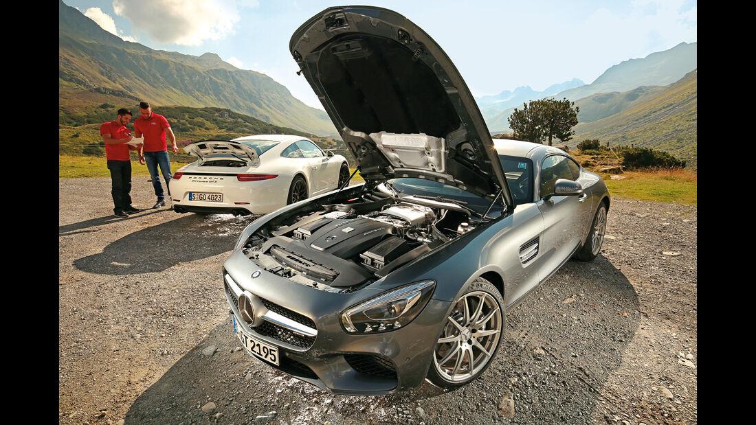 Mercedes-AMG GT, Porsche 911 Carrera GTS, Impression