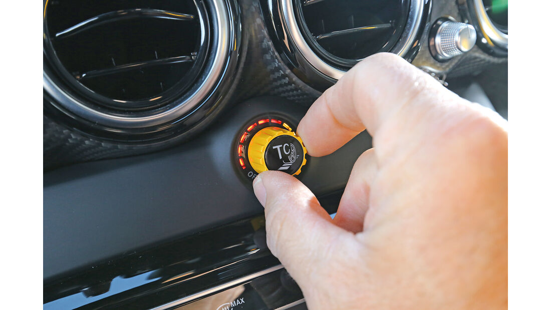 Mercedes-AMG GT R, Bedienelement