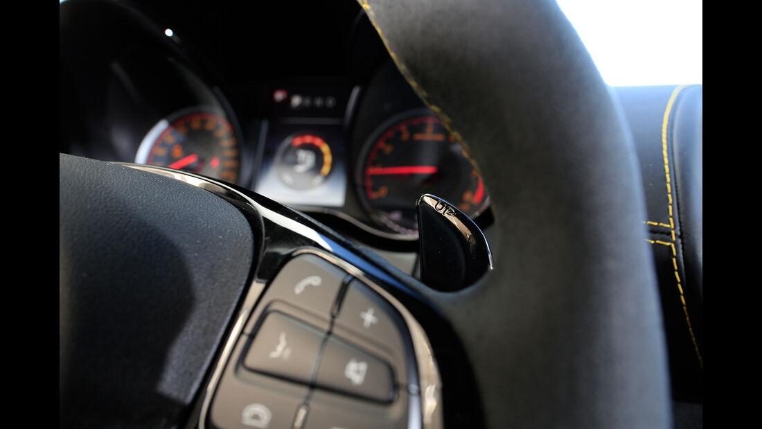 Mercedes-AMG GT R, Bedienelemente