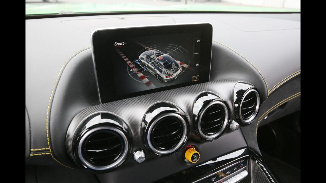Mercedes-AMG GT R, Monitor