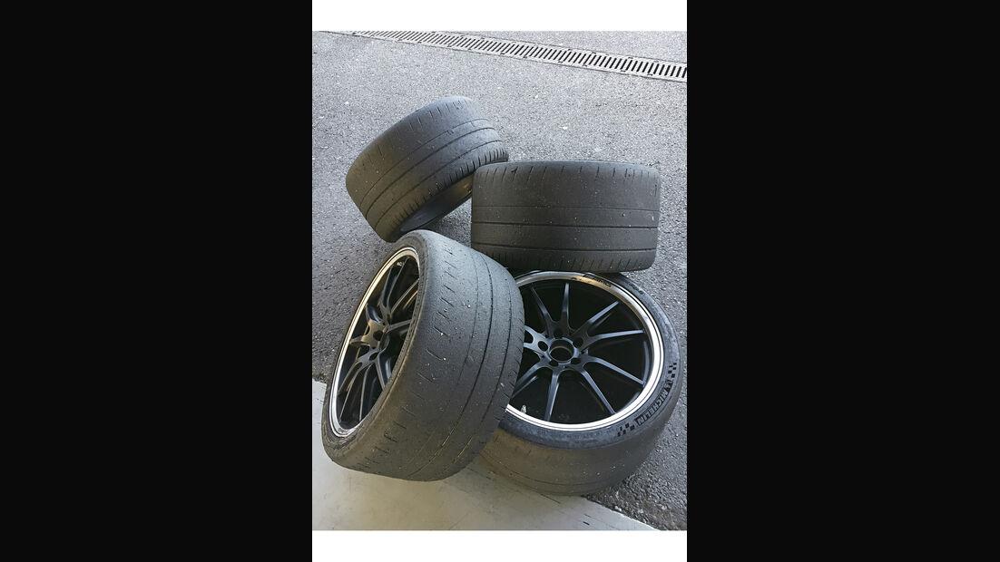 Mercedes-AMG GT R, Reifenauswahl