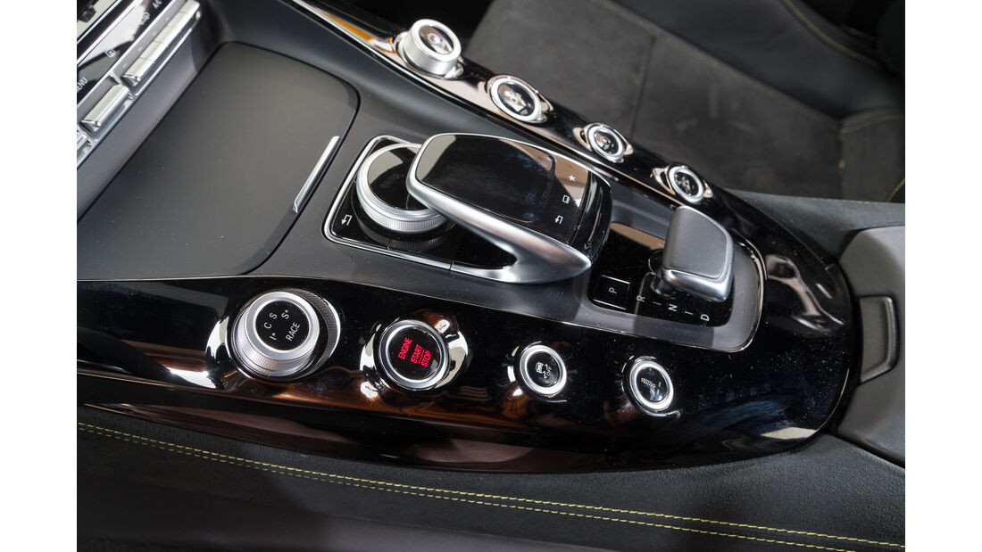 Mercedes AMG GT S, Bedienelemente