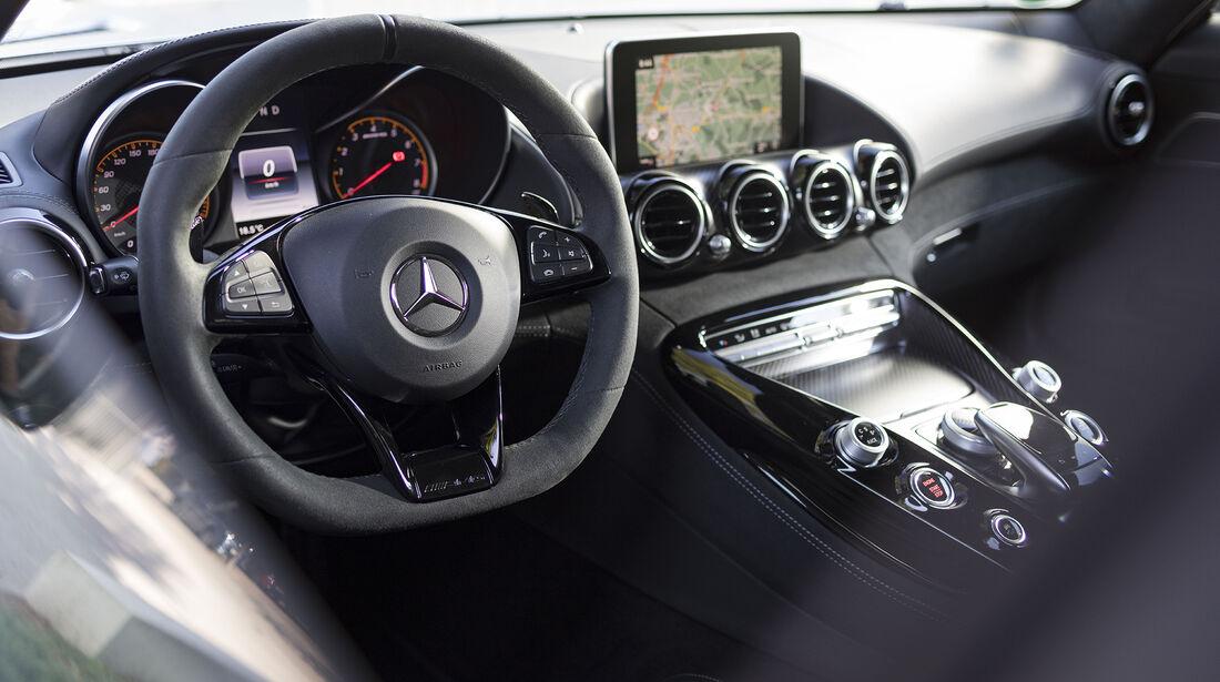 Mercedes-AMG GT S, Interieur
