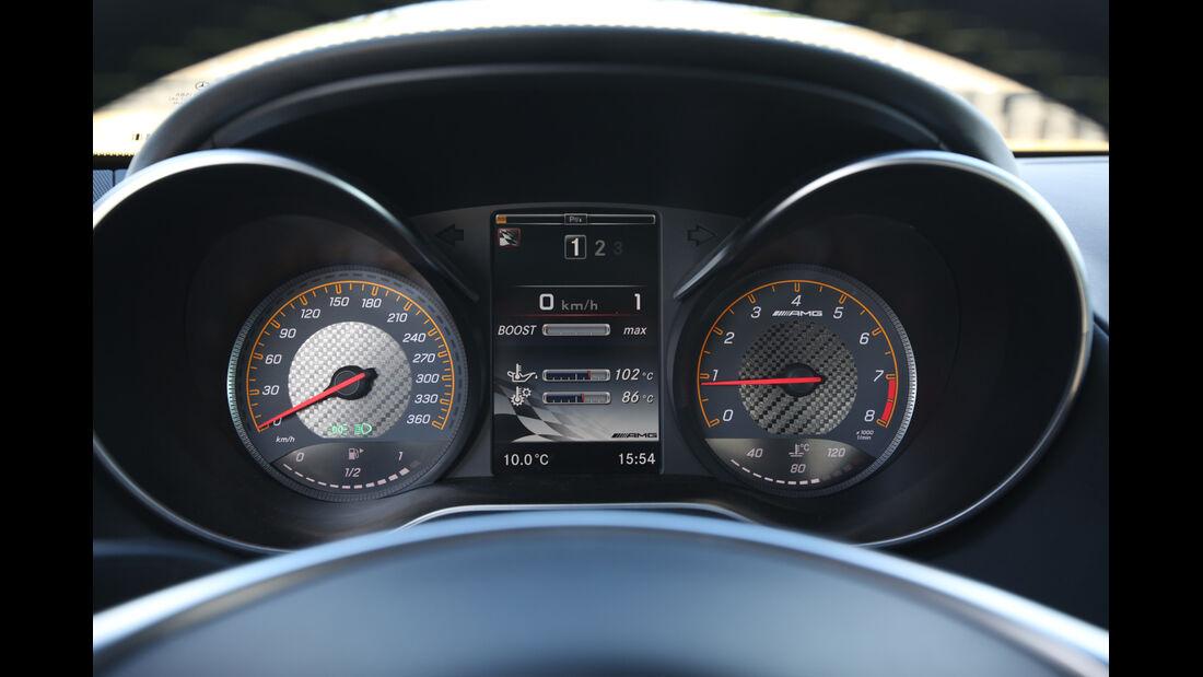 Mercedes-AMG GT S, Rundinstrumente