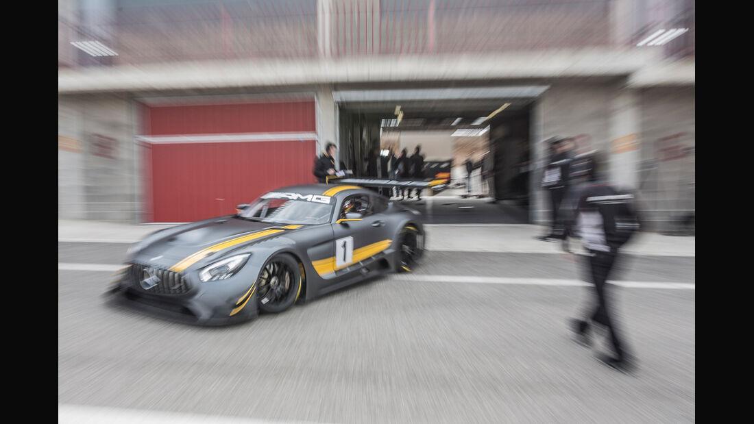 Mercedes AMG GT3, Frontansicht, Box