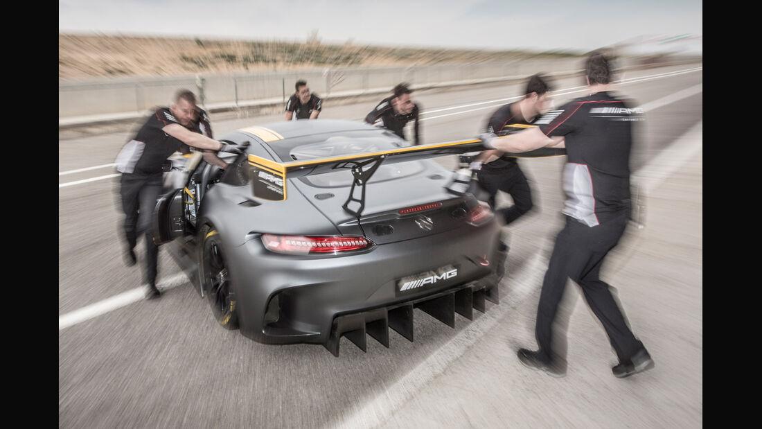 Mercedes AMG GT3, Heckansicht, Boxenstopp