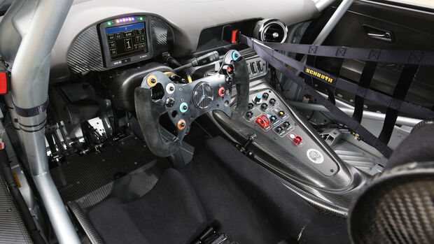 Mercedes-AMG GT3, Tracktest, Cockpit