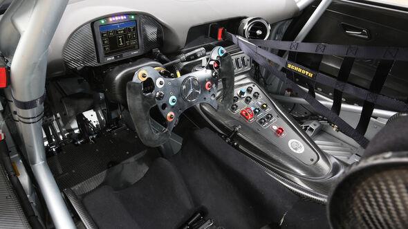 Mercedes-AMG GT3, Tracktest, Cockpit