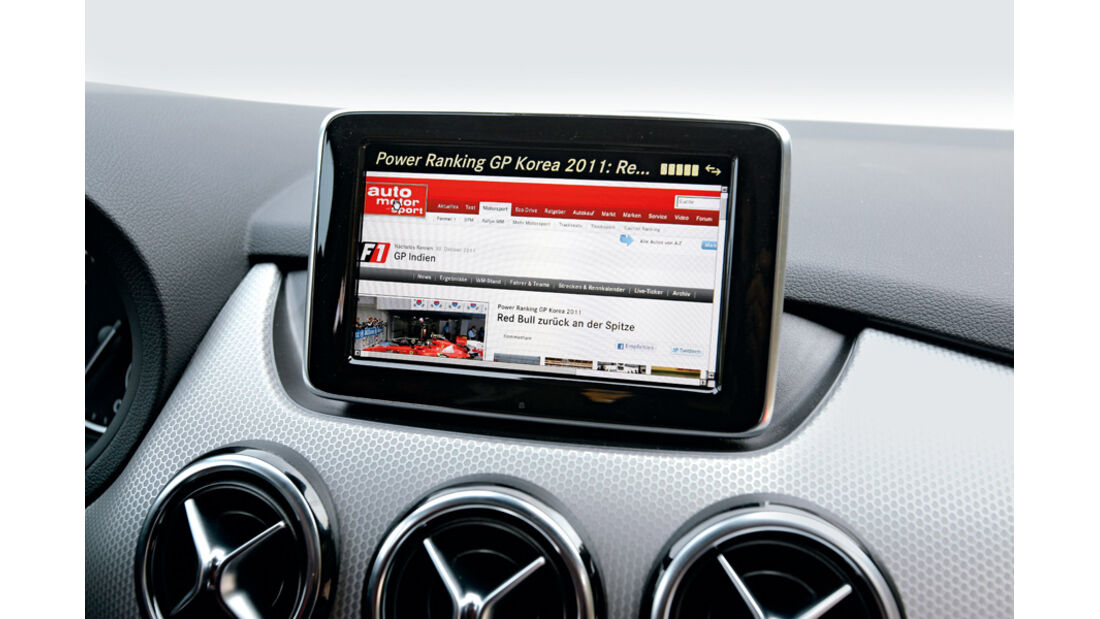Mercedes B 200 CDI, Bildschirm, Navi