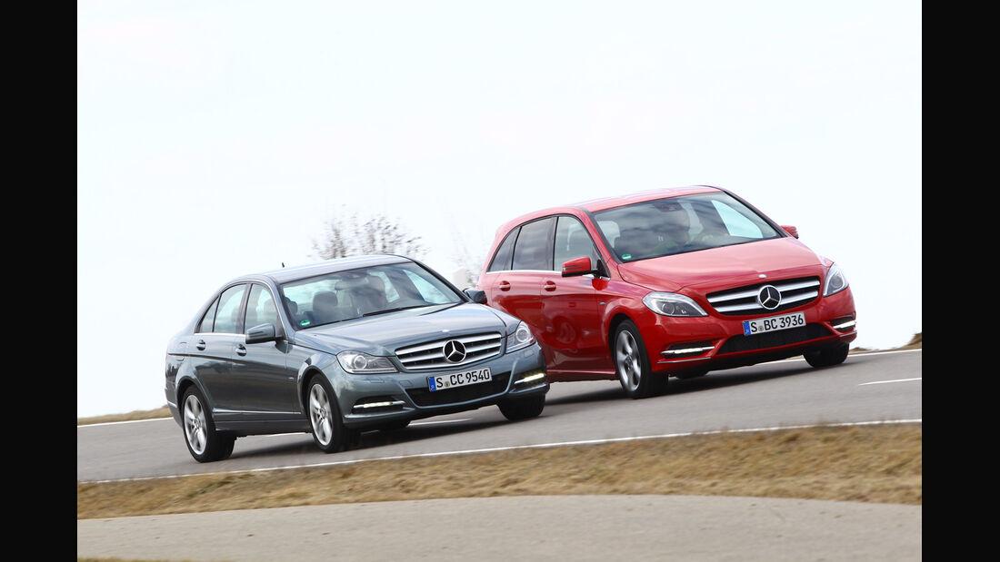 Mercedes B 200, Mercedes C 180, Seitenansicht