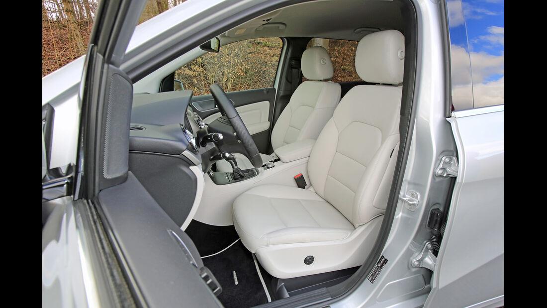 Mercedes B 200 NGD, Fahrersitz