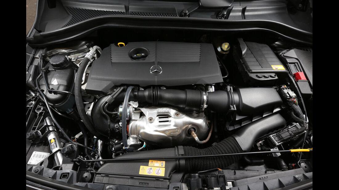 Mercedes B 220 4MATIC, Motor