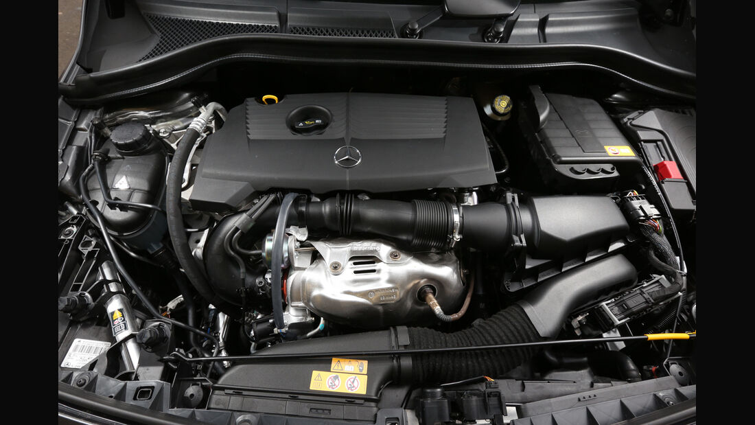 Mercedes B 220 4MATIC, Motor