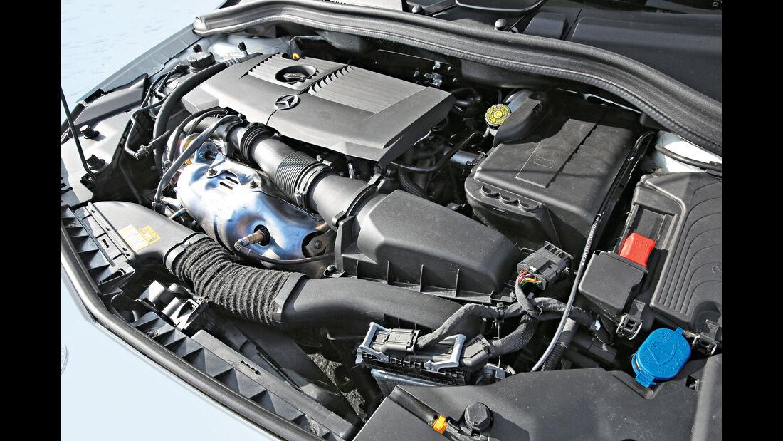 Mercedes B 250, Motor