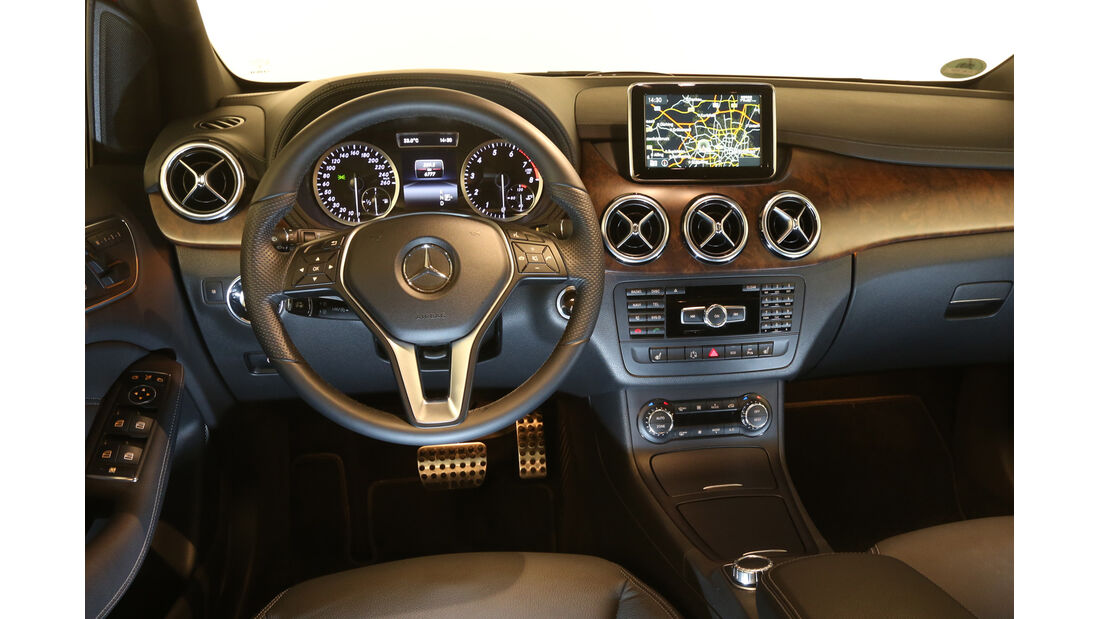 Mercedes B-Klasse, Cockpit