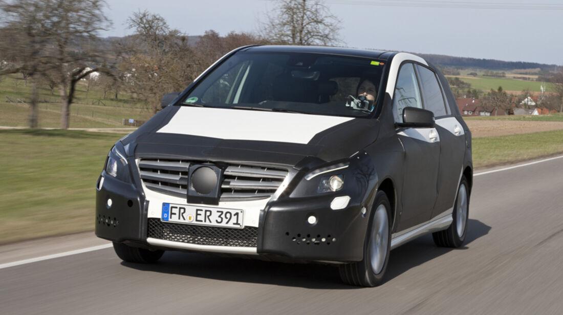 Mercedes B-Klasse, Erlkönig, Frontansicht, Seite