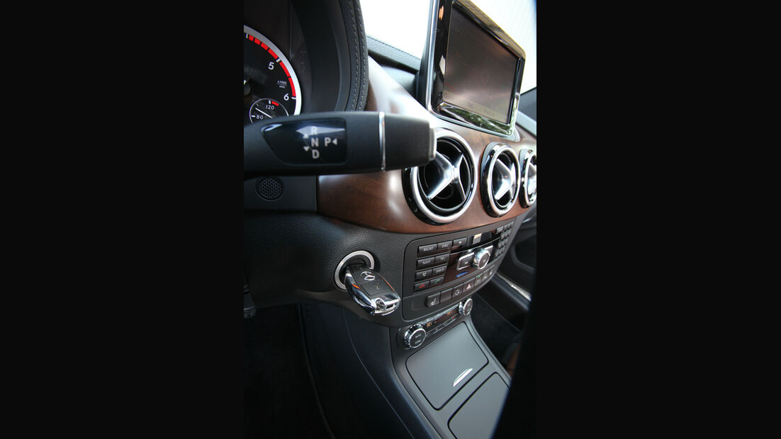 Mercedes B-Klasse, Mittelkonsole