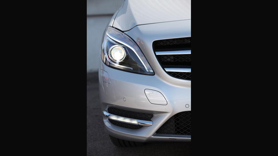 Mercedes B-Klasse, Scheinwerfer
