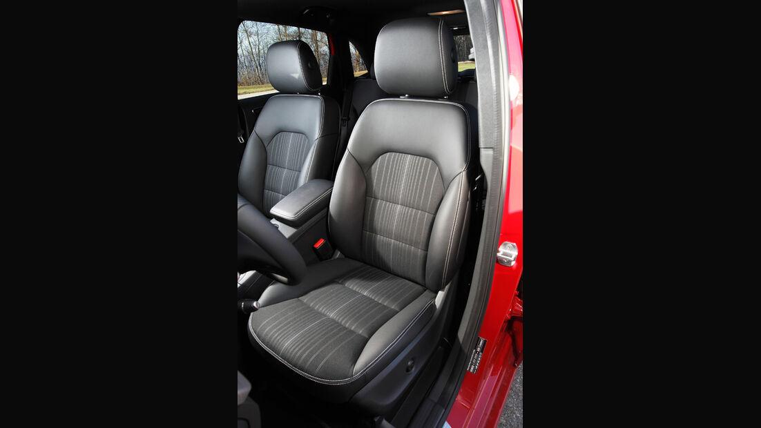 Mercedes B-Klasse, Sitze