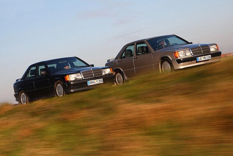 Mercedes-Benz 190 E 2.3-16, Mercedes-Benz 190 E 2.5-16 - Fahraufnahme seitlich von vorne