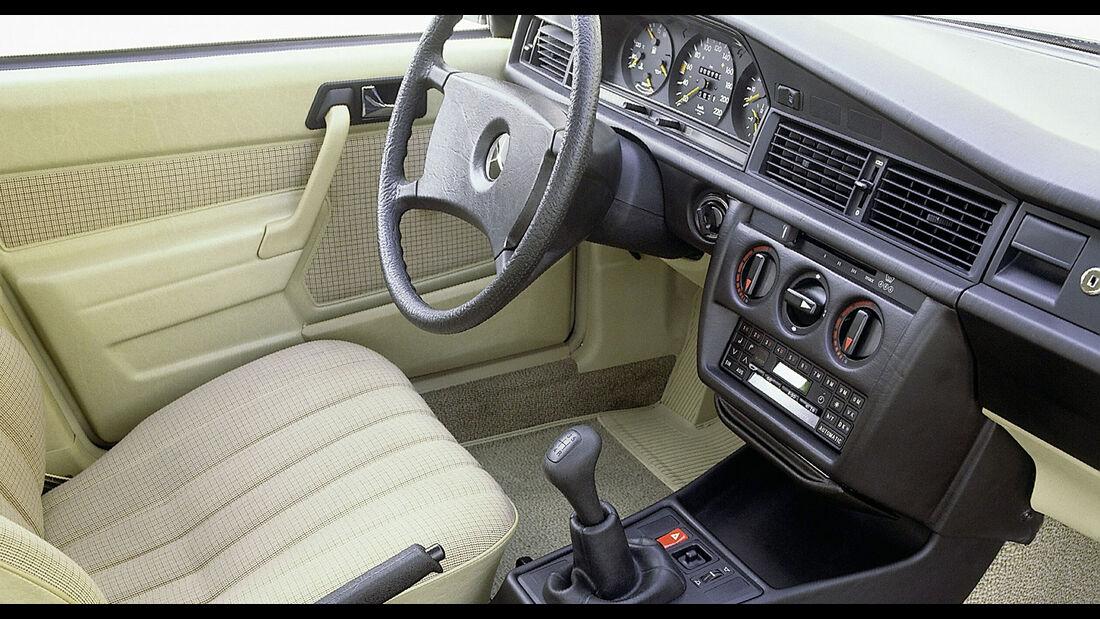 Mercedes-Benz 190E W201 Interieur Cockpit