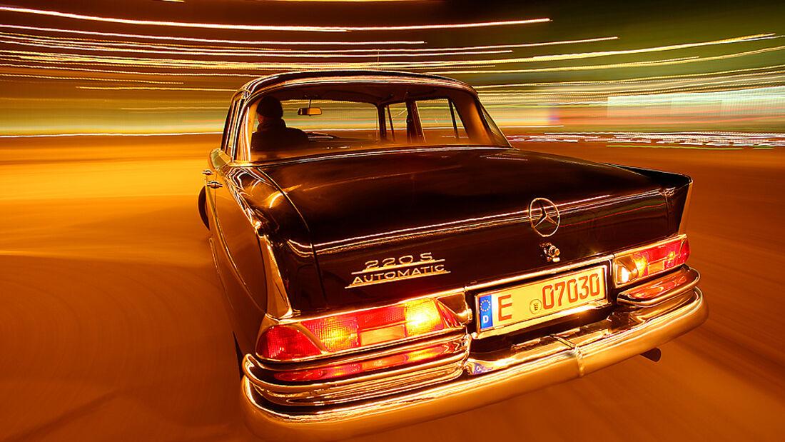 Mercedes-Benz 220S