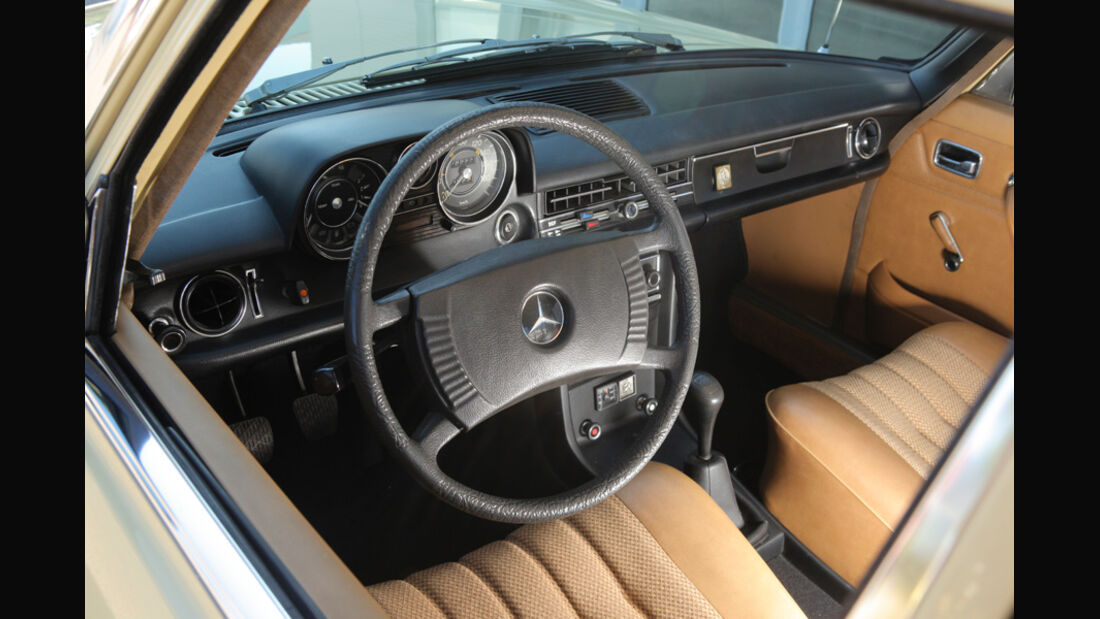 Mercedes-Benz 230.4,  Cockpit