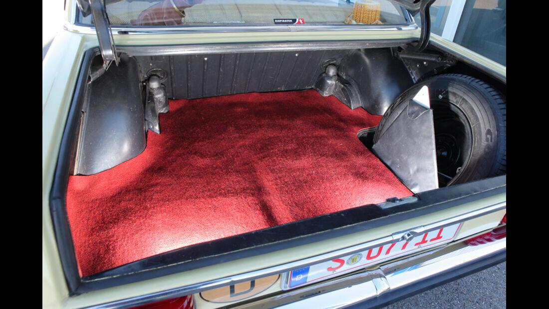 Mercedes-Benz 230.4, Kofferraum