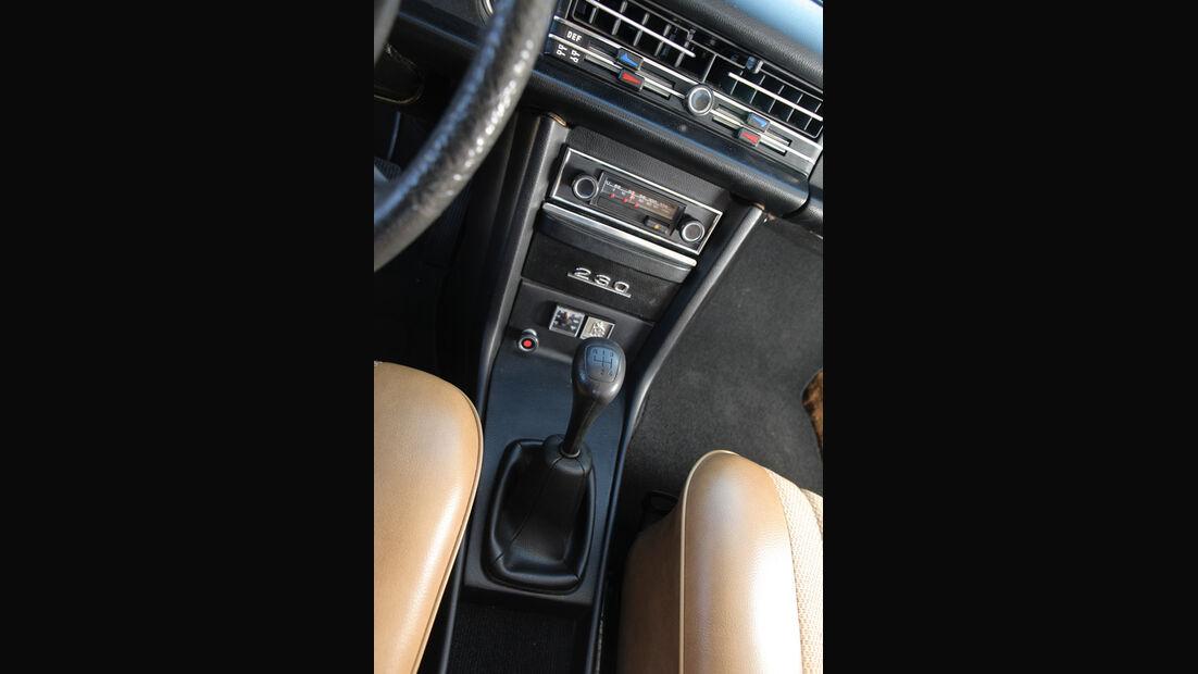 Mercedes-Benz 230.4, Mittelkonsole, Schaltknauf